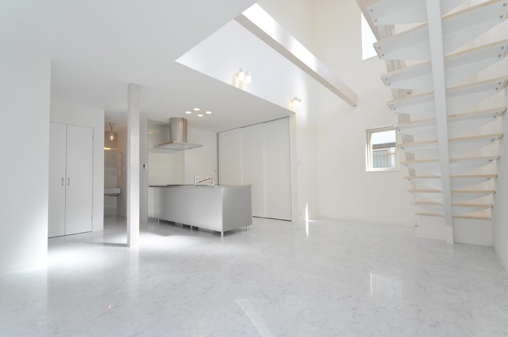 白を基調に明るい空間13