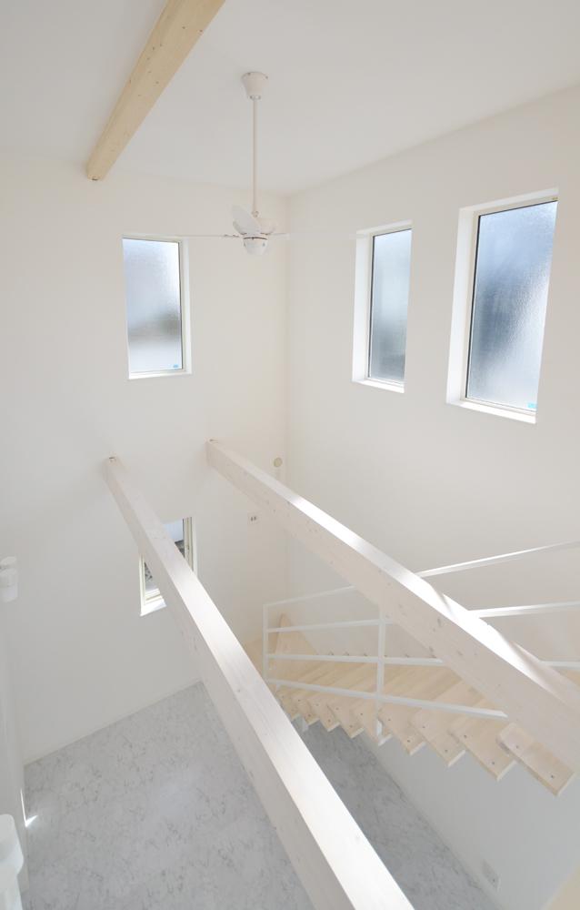 白を基調に明るい空間14