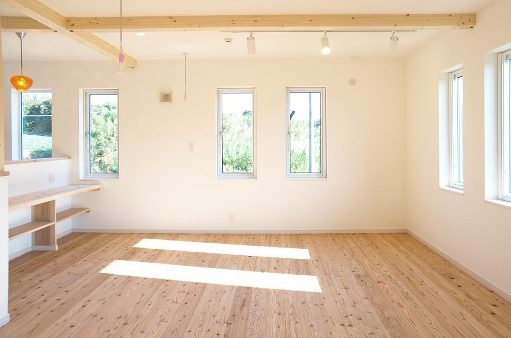 板張り内装の注文住宅Simple Box08