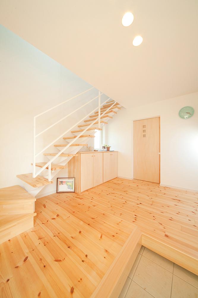 二階リビングの家03
