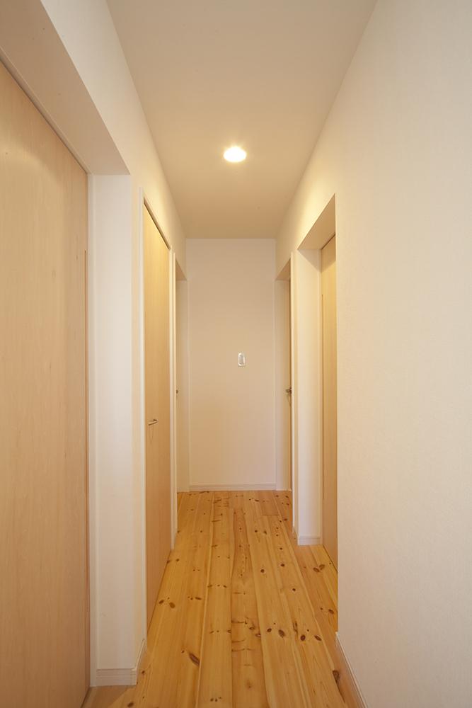 二階リビングの家05