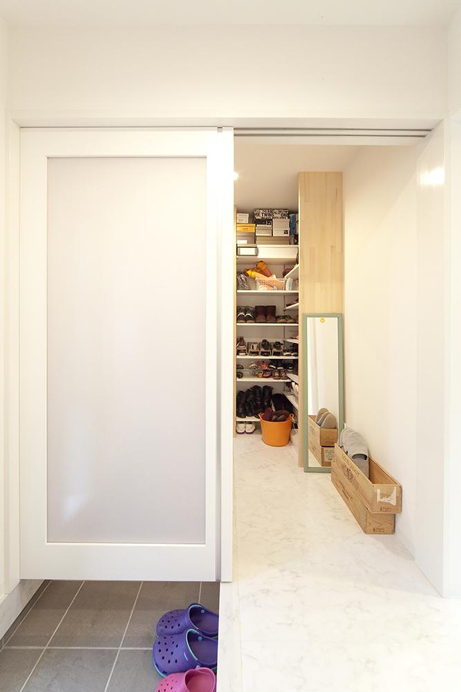 白を基調に明るい空間03