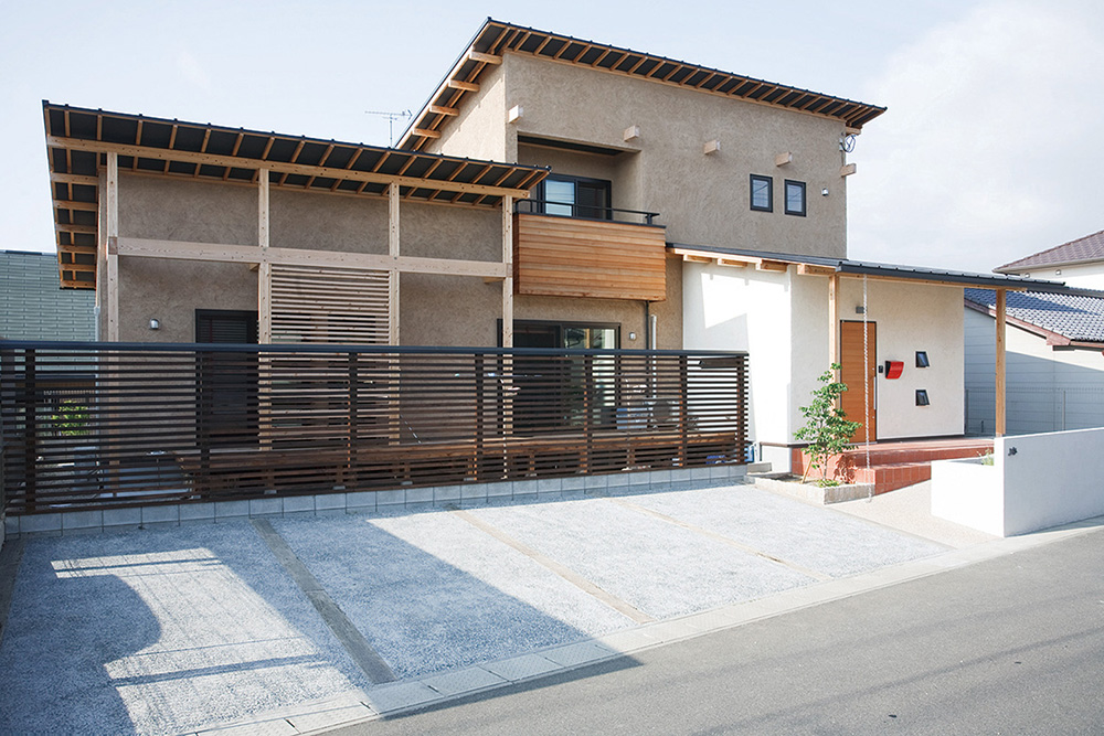 木の質感を活かした塗り壁の注文住宅HARMONY01