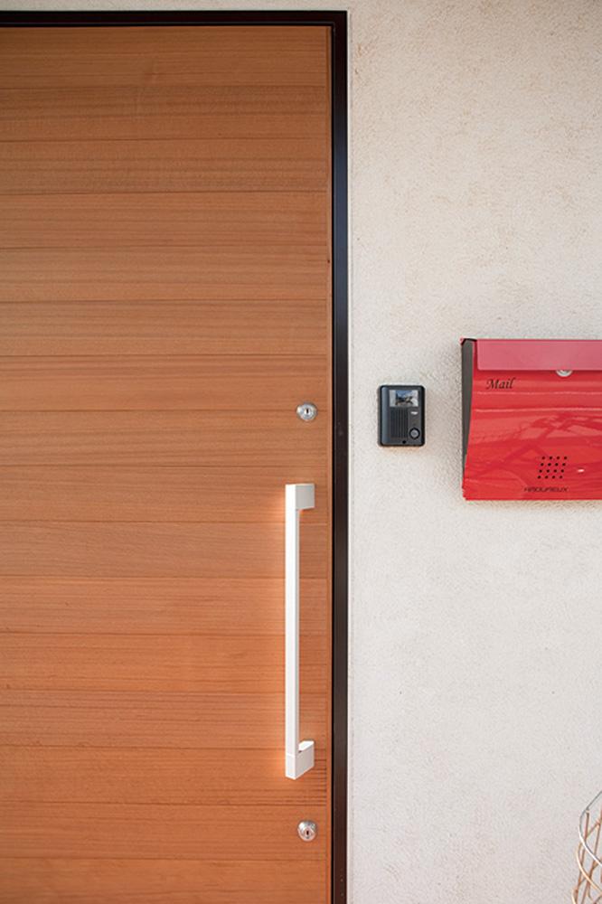 木の質感を活かした塗り壁の注文住宅HARMONY02