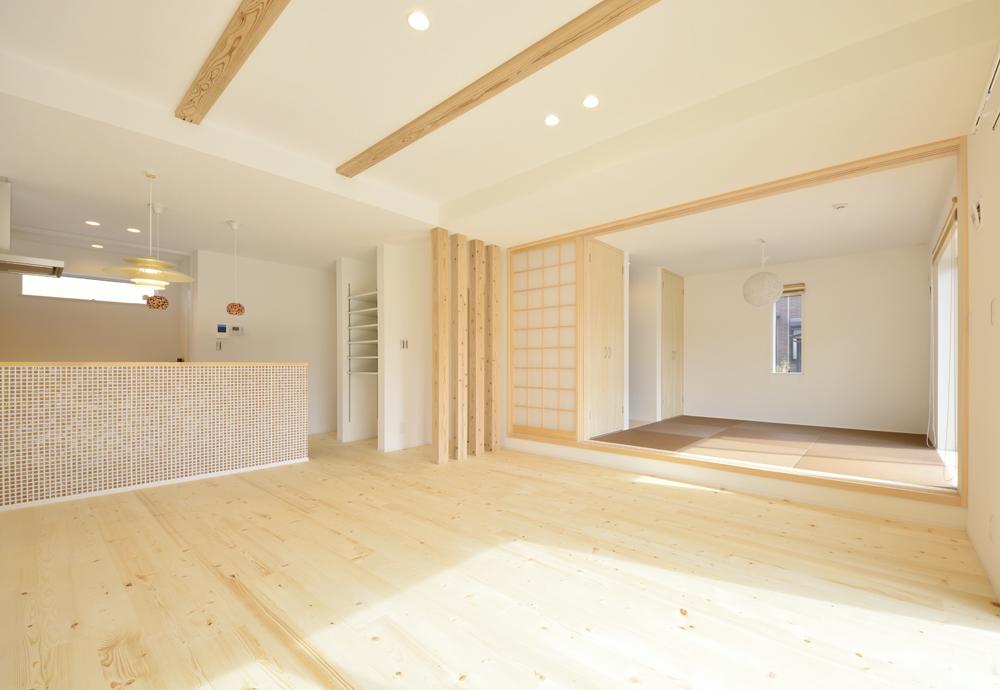 シューズクロークと広いLDKの注文住宅Simple Box01