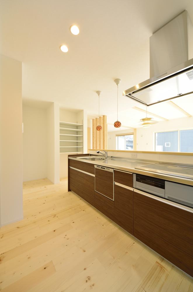 シューズクロークと広いLDKの注文住宅Simple Box03