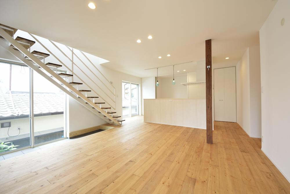 LDKに土間と和室がある注文住宅Simple Box02