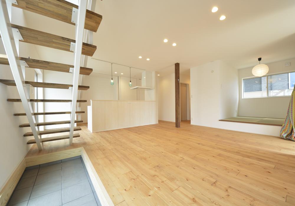LDKに土間と和室がある注文住宅Simple Box01