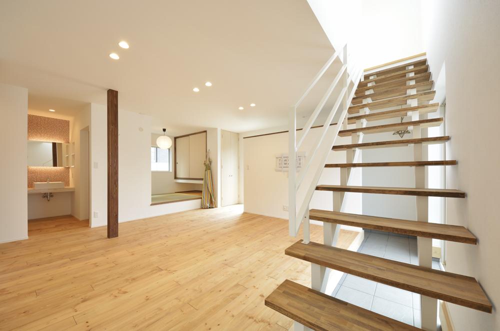 LDKに土間と和室がある注文住宅Simple Box04