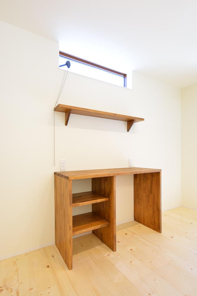 リビングと玄関をやさしく結ぶ、注文住宅Simple Box09