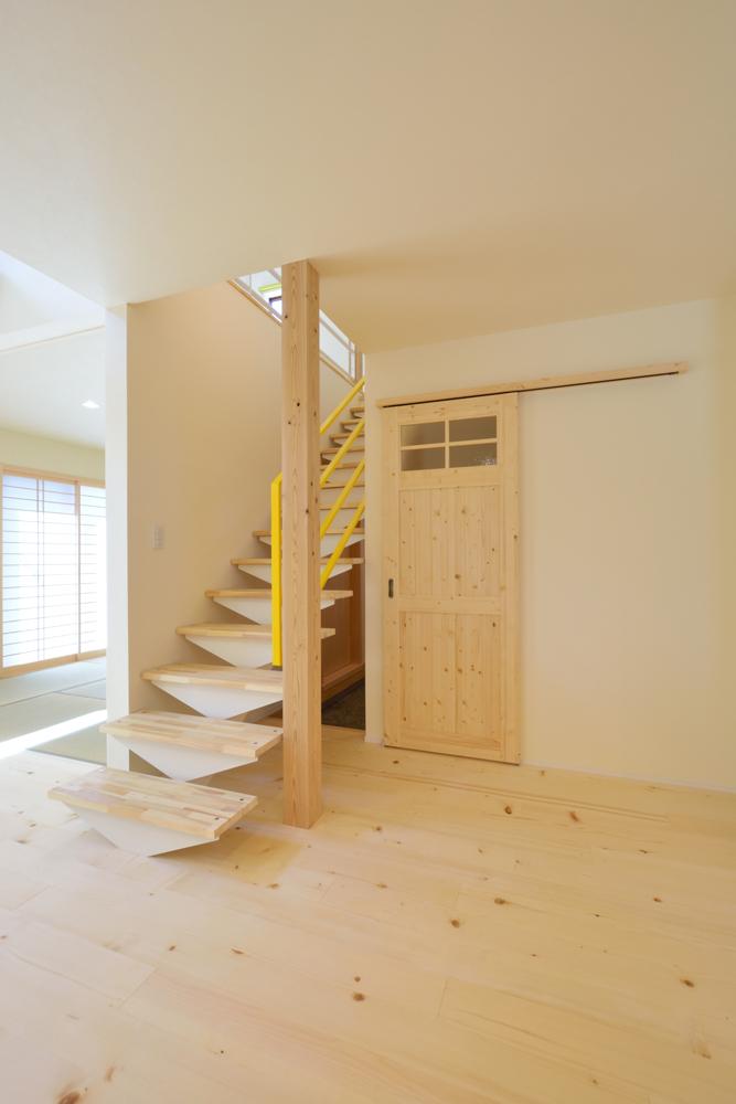 リビングと玄関をやさしく結ぶ、注文住宅Simple Box02