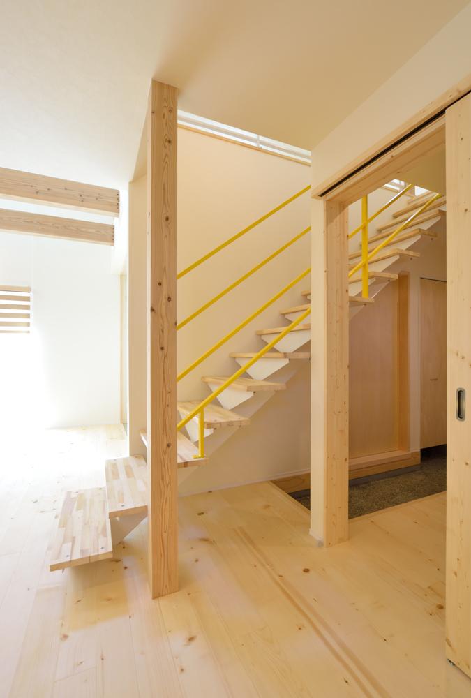 リビングと玄関をやさしく結ぶ、注文住宅Simple Box04