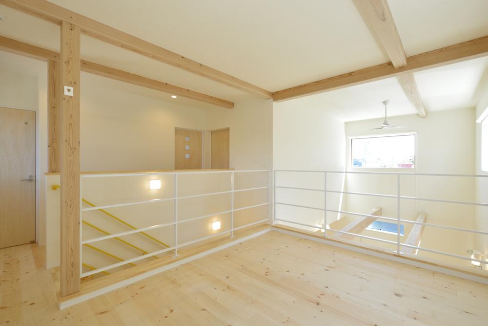 リビングと玄関をやさしく結ぶ、注文住宅Simple Box10