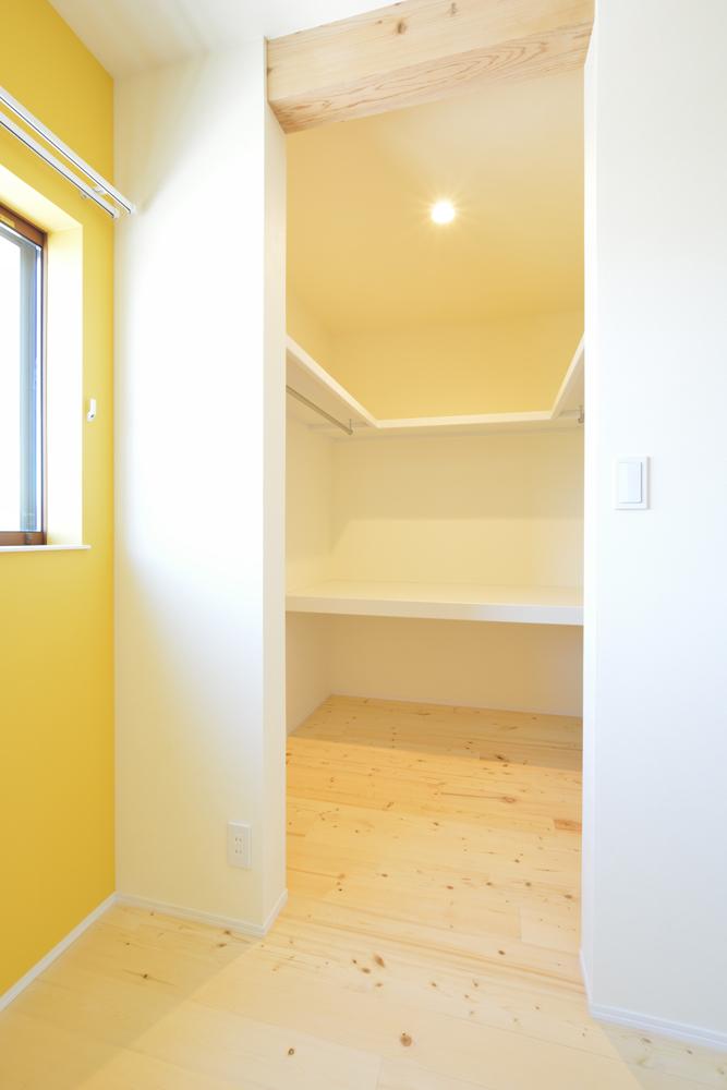 リビングと玄関をやさしく結ぶ、注文住宅Simple Box13