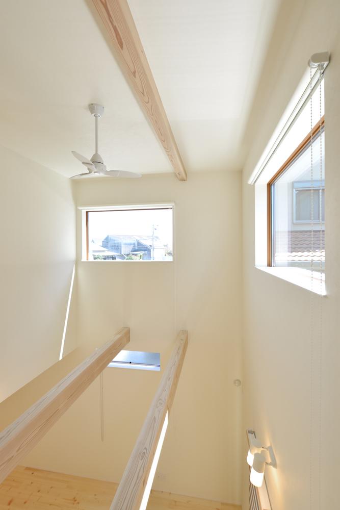 リビングと玄関をやさしく結ぶ、注文住宅Simple Box11