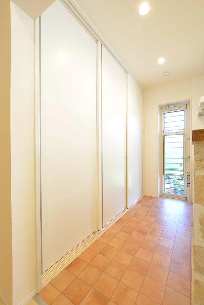 2方向から上がれる注文住宅 Simple Box07