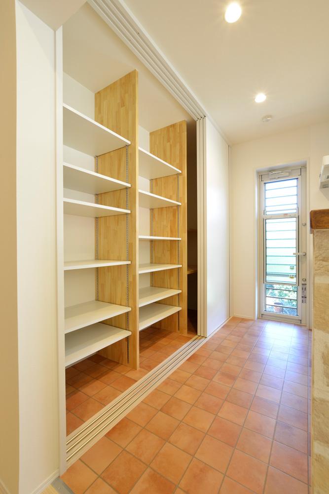 2方向から上がれる注文住宅 Simple Box08