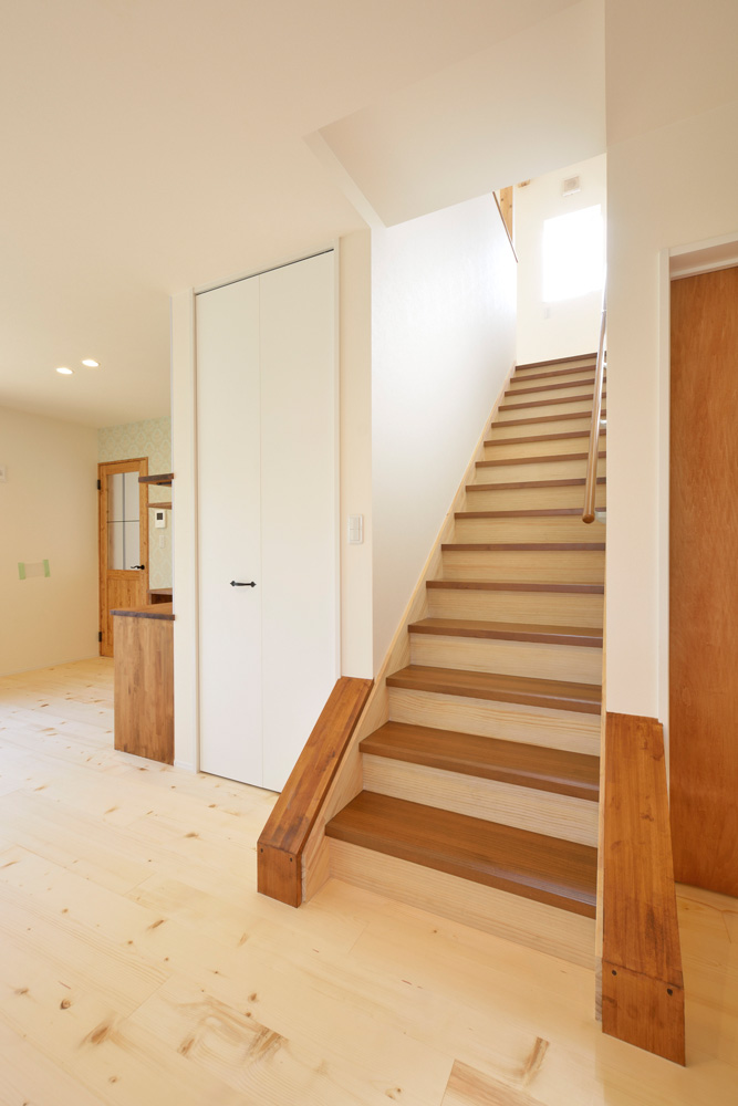 2方向から上がれる注文住宅 Simple Box05