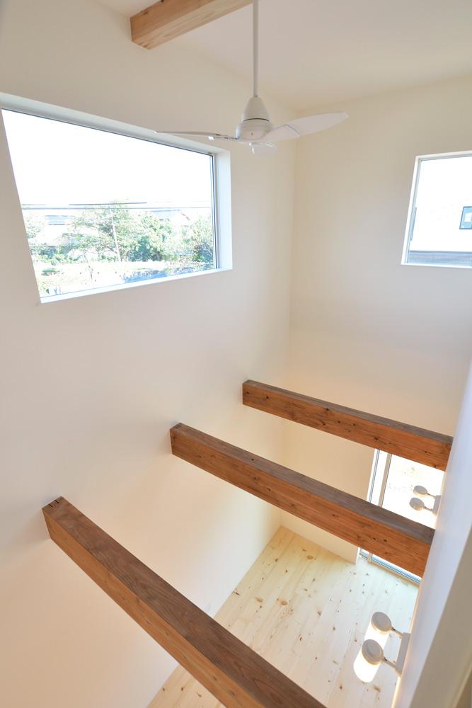 2方向から上がれる注文住宅 Simple Box12