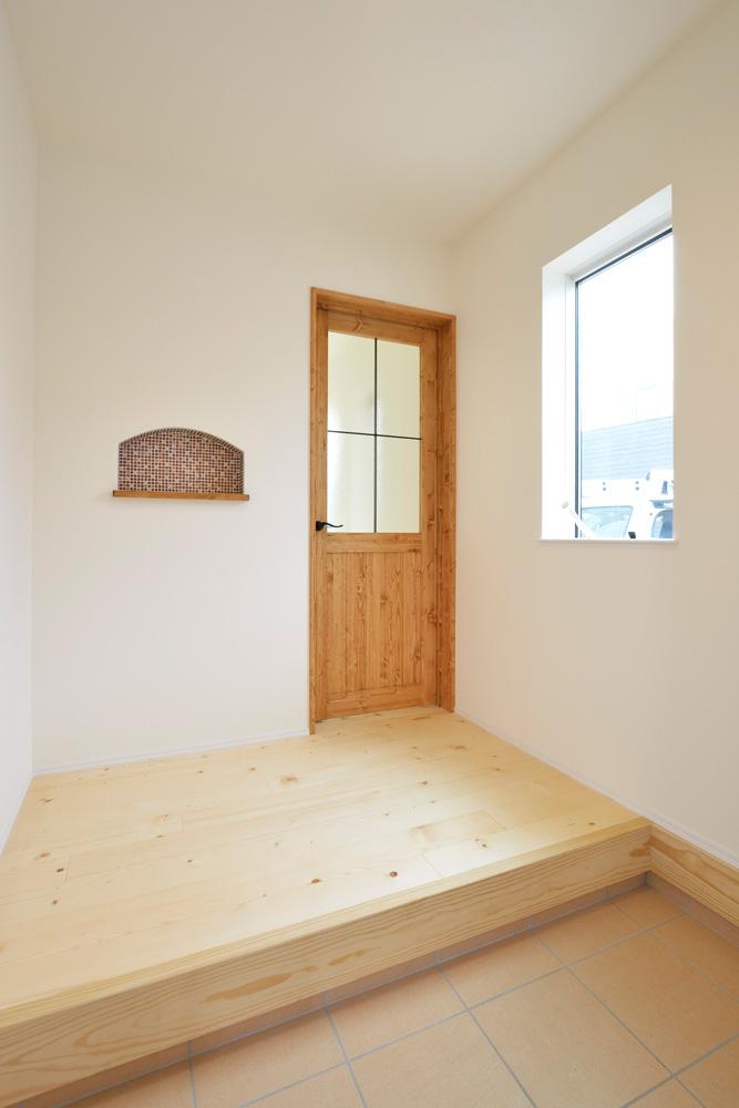 2方向から上がれる注文住宅 Simple Box09