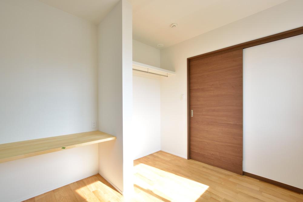本棚+階段のある平屋、注文住宅 HARMONY11
