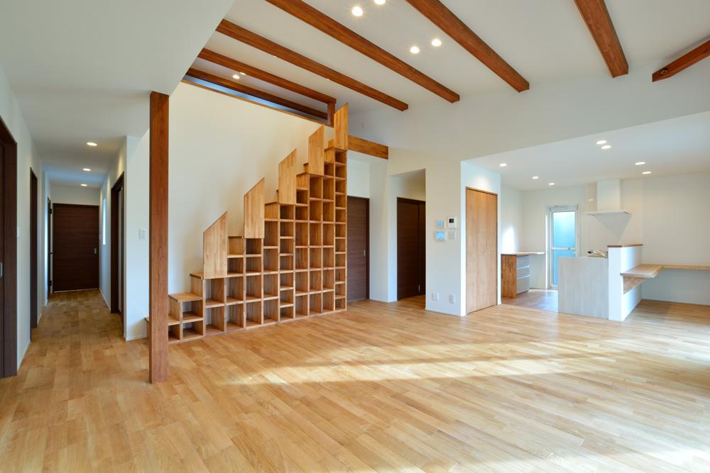 本棚+階段のある平屋、注文住宅 HARMONY01
