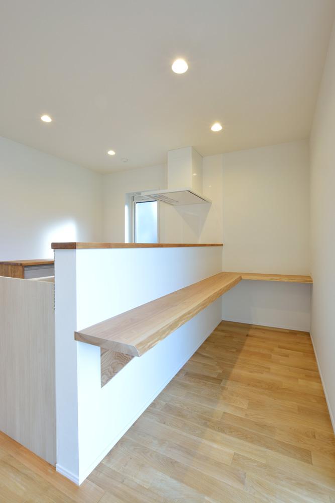 本棚+階段のある平屋、注文住宅 HARMONY07