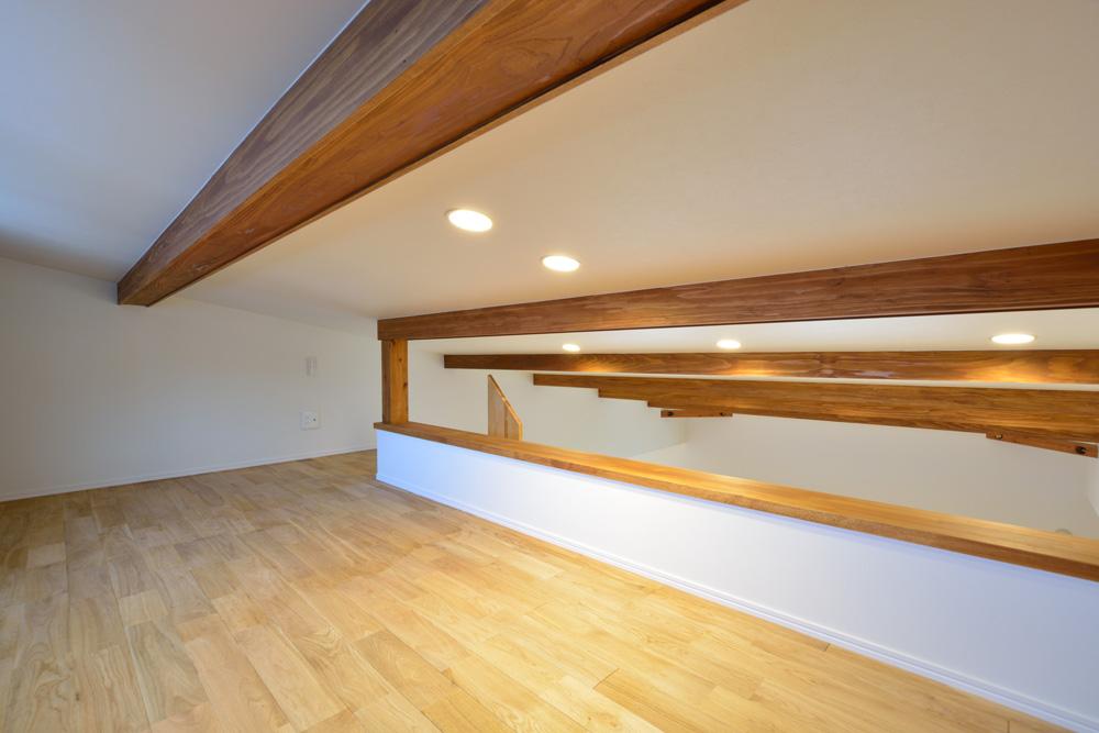 本棚+階段のある平屋、注文住宅 HARMONY08