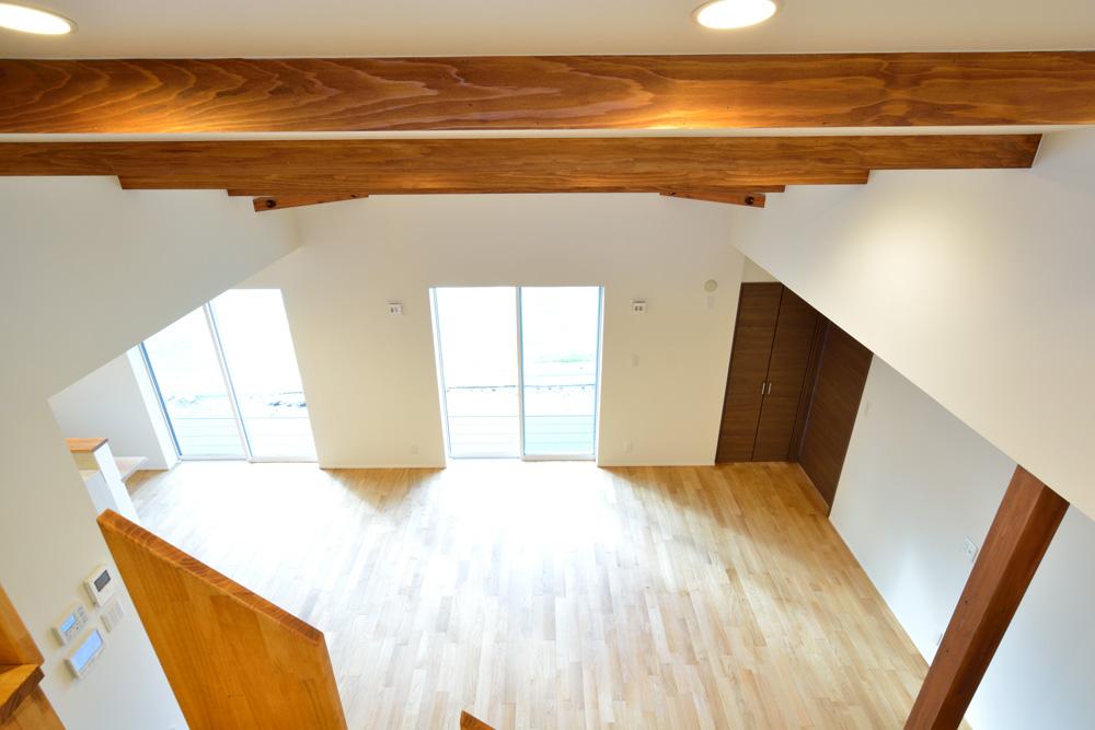 本棚+階段のある平屋、注文住宅 HARMONY09