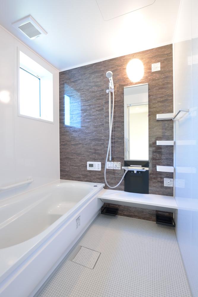 小上がりの和室と広いLDKのある完全オーダーメイドの注文住宅16
