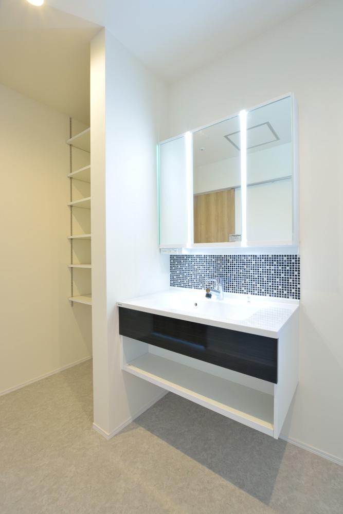 小上がりの和室と広いLDKのある完全オーダーメイドの注文住宅14
