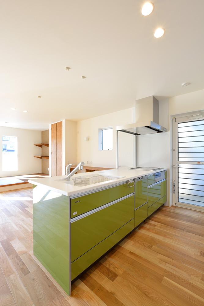 小上がりの和室と広いLDKのある完全オーダーメイドの注文住宅06