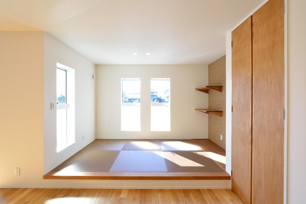 小上がりの和室と広いLDKのある完全オーダーメイドの注文住宅04