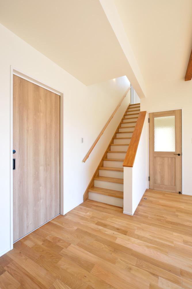 小上がりの和室と広いLDKのある完全オーダーメイドの注文住宅09