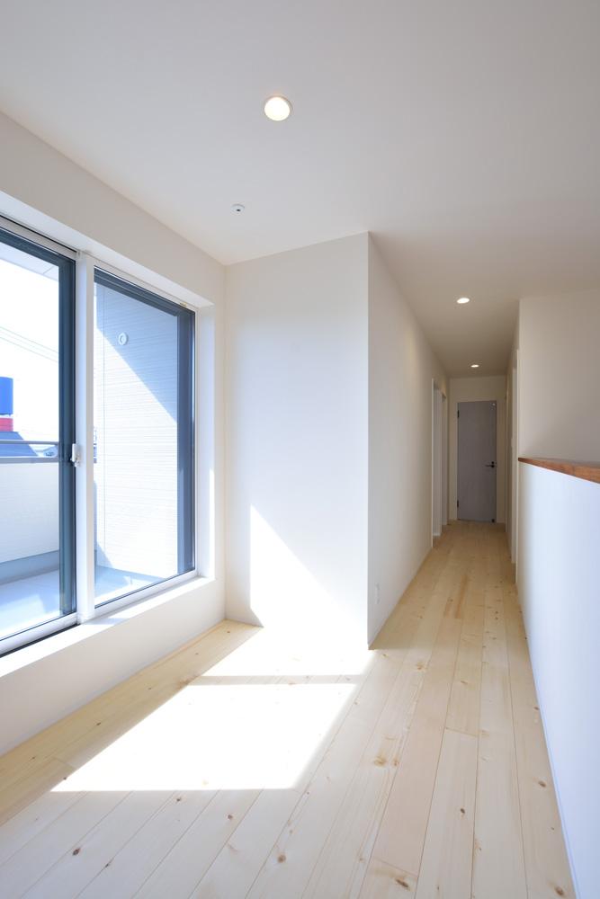 小上がりの和室と広いLDKのある完全オーダーメイドの注文住宅10