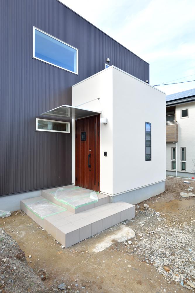 塗り壁をアクセントにした注文住宅 Simple Box+Box02