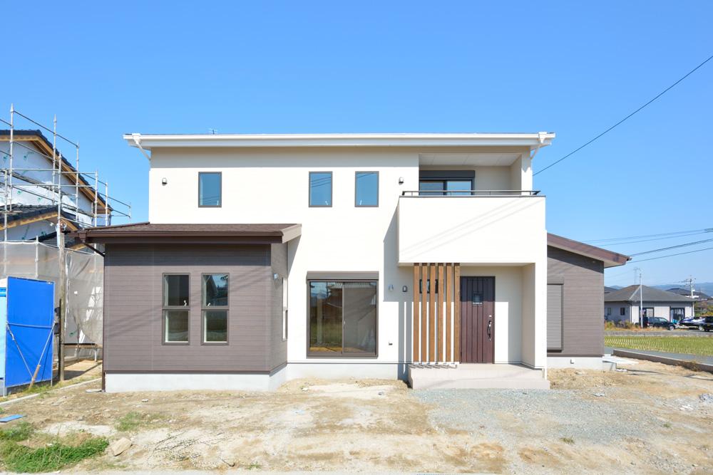 小上がりの和室と広いLDKのある完全オーダーメイドの注文住宅20