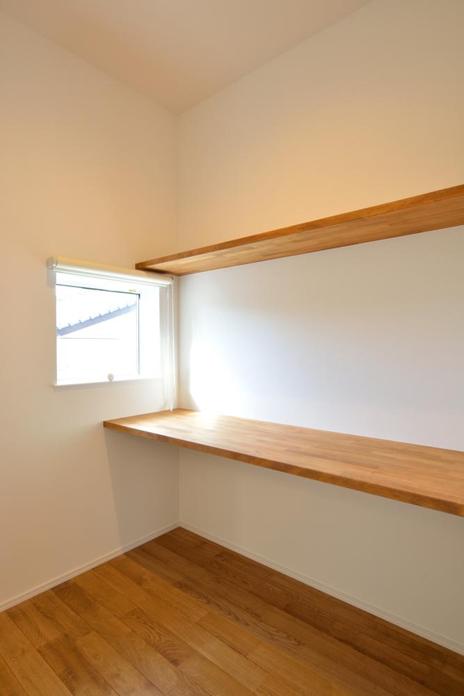 塗り壁をアクセントにした注文住宅 Simple Box+Box09