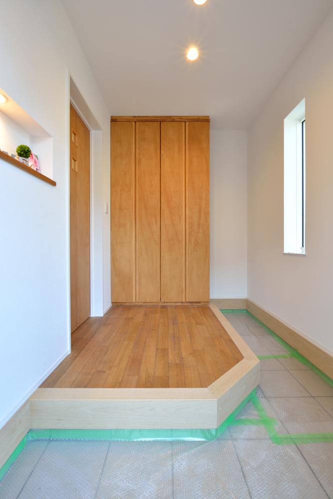 塗り壁をアクセントにした注文住宅 Simple Box+Box16