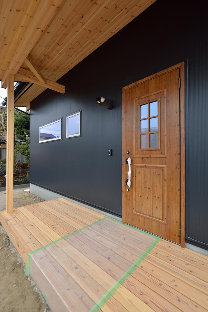 ホームラボ注文住宅の黒いLOAFER02