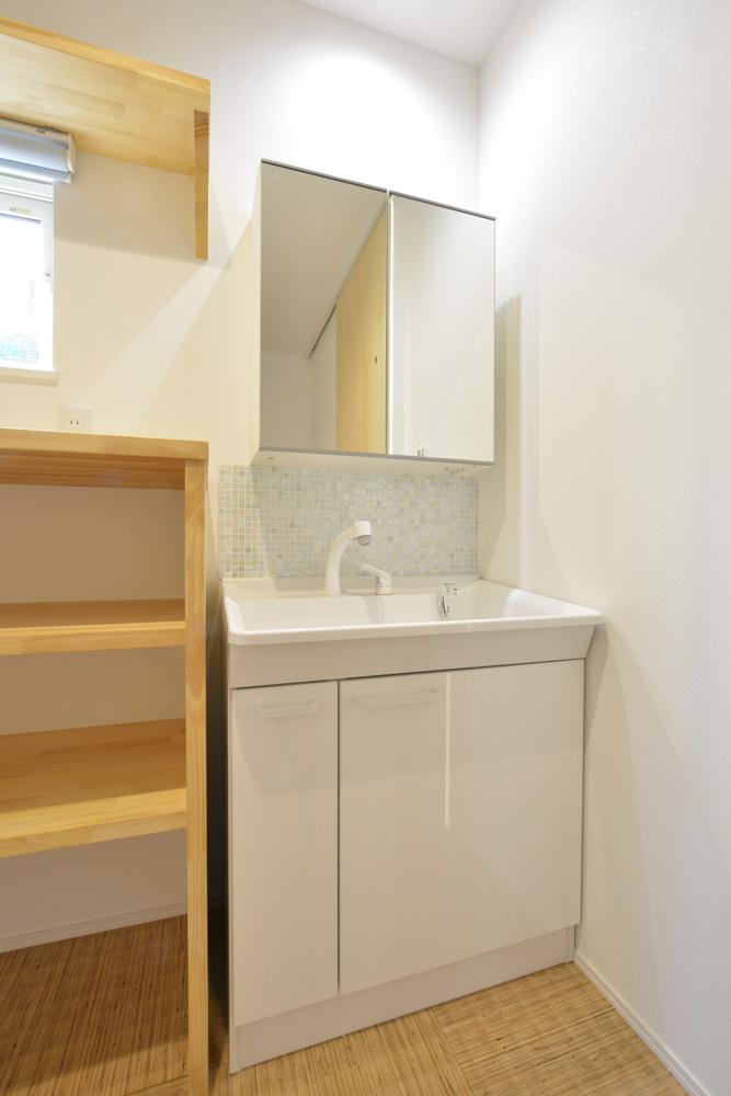 青と白の四角いお家、注文住宅Simple Box18