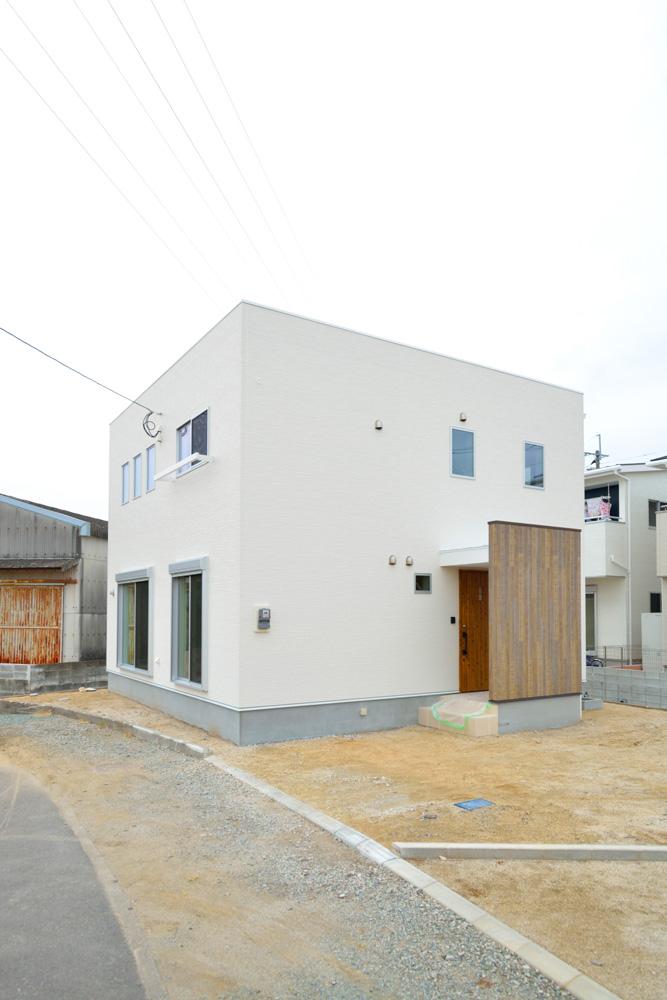 収納スペースを多く設けた注文住宅Simple Box01