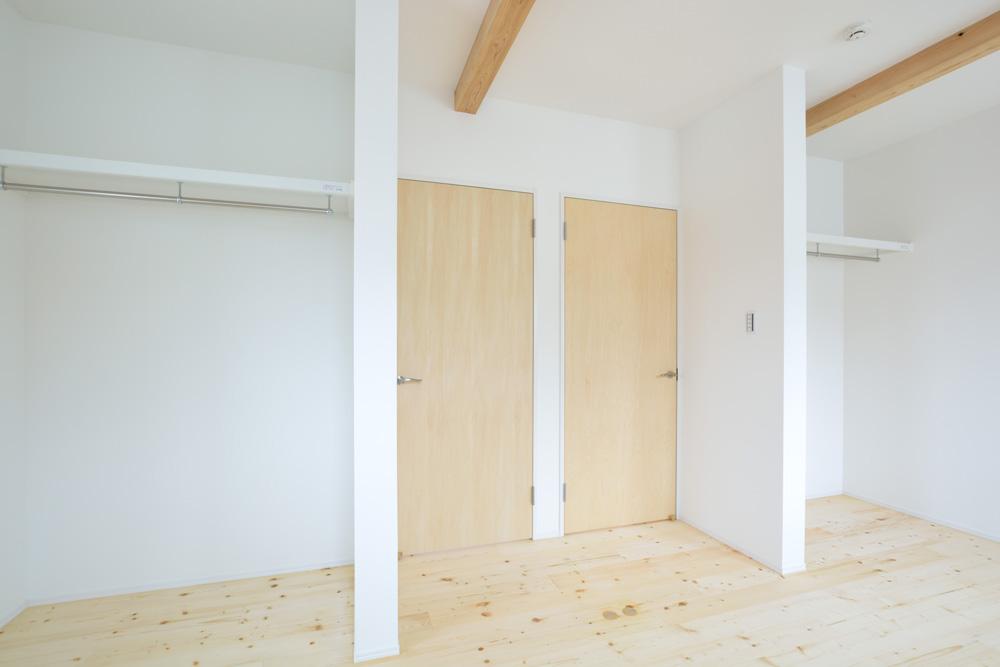 収納スペースを多く設けた注文住宅Simple Box15