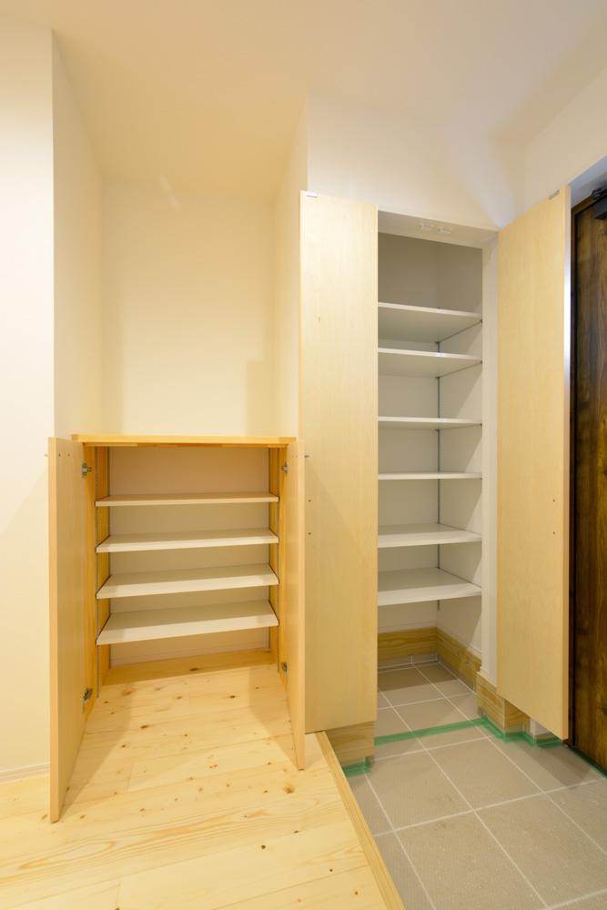 収納スペースを多く設けた注文住宅Simple Box04