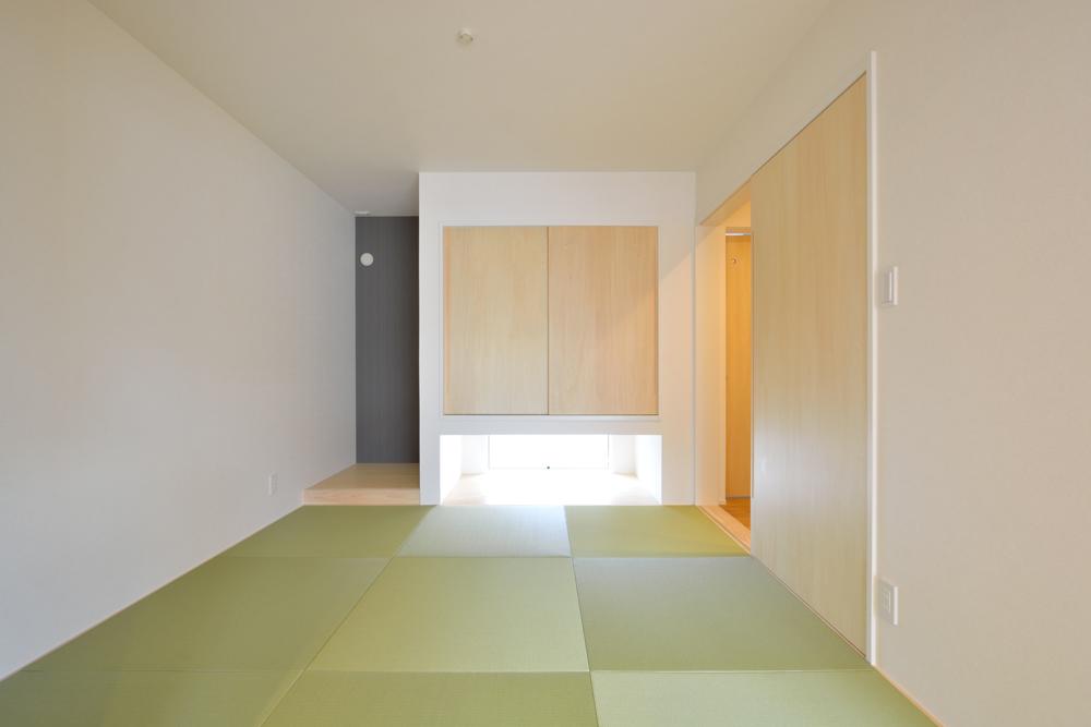 大きな吹き抜けと大きなフリースペースがある注文住宅Simple Box03