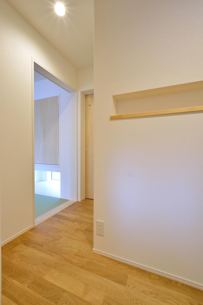 大きな吹き抜けと大きなフリースペースがある注文住宅Simple Box16