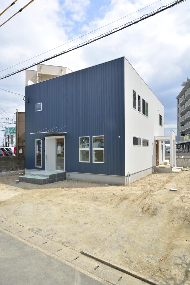 店舗+住まいの注文住宅Simple Box01