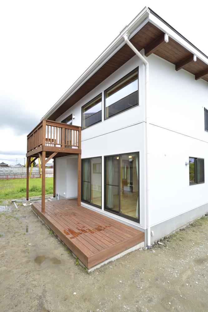 ハワイアンリゾートをイメージした注文住宅BOOOTS01