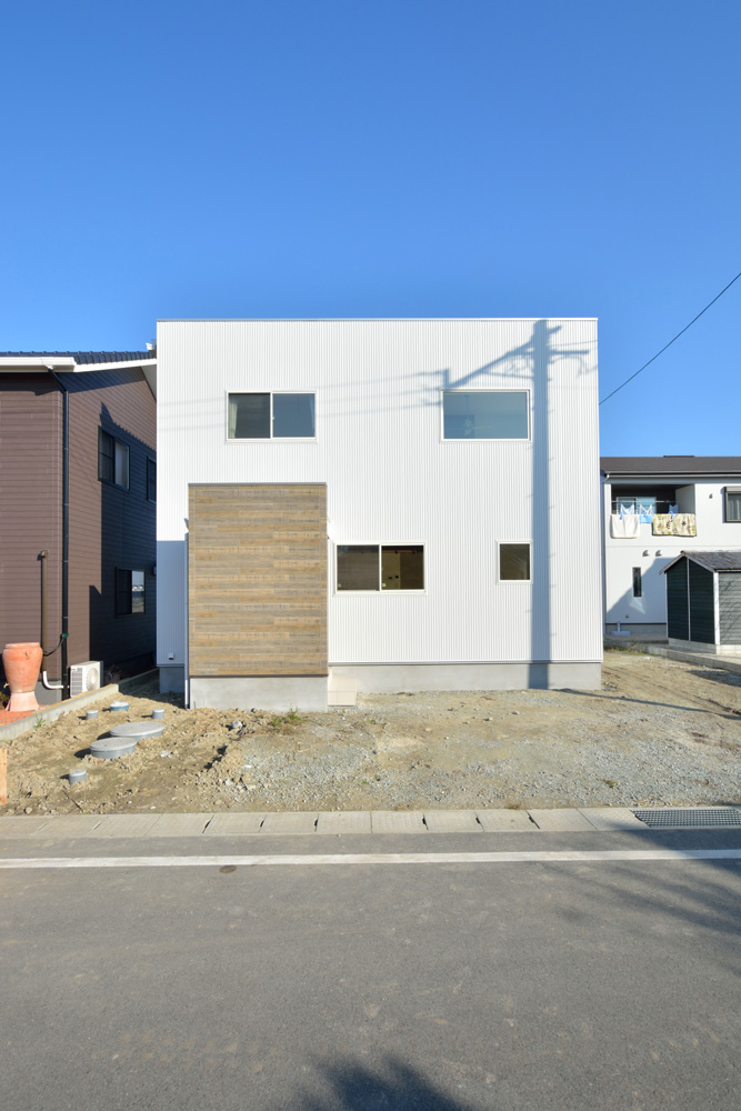 開放感と収納力にこだわった注文住宅Simple Box01