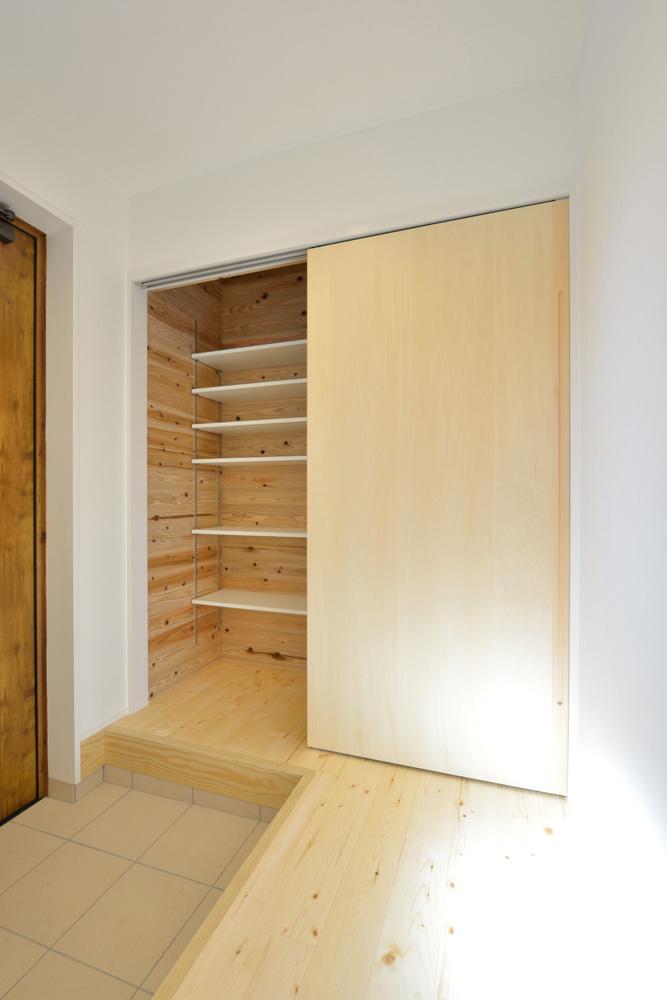 開放感と収納力にこだわった注文住宅Simple Box15